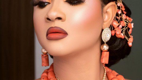 de pearl beauty look 2